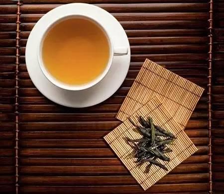 这几种茶,肠胃不好的人要少喝哦!
