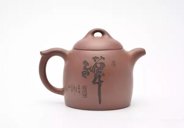 全手工壶、半手工壶、灌浆壶和手拉胚壶的区别
